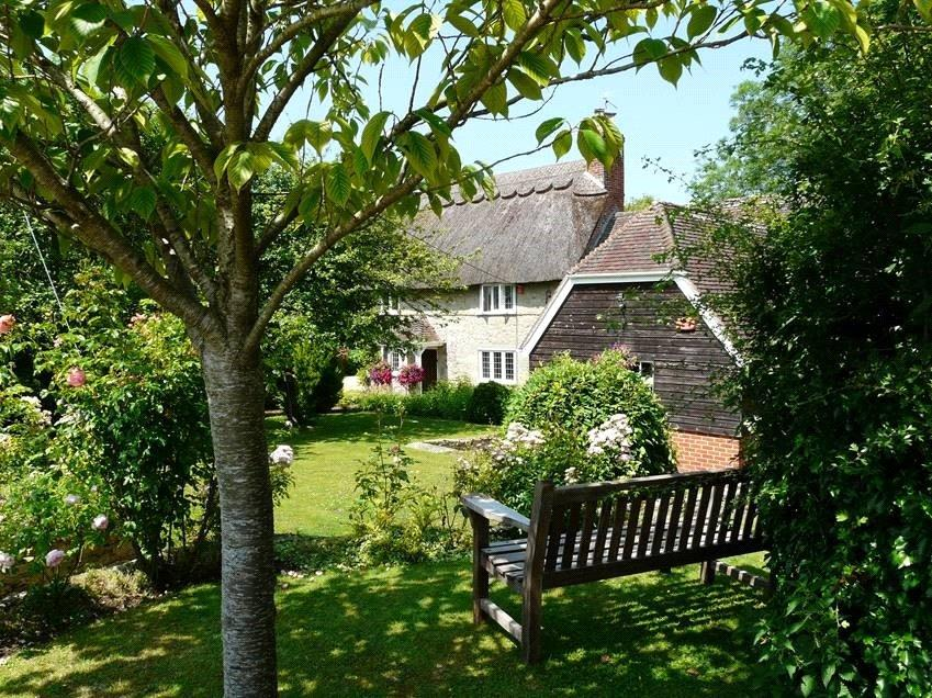 4 Bedrooms Detached House for sale in Fontmell Magna, Fontmell Magna, Shaftesbury, Dorset