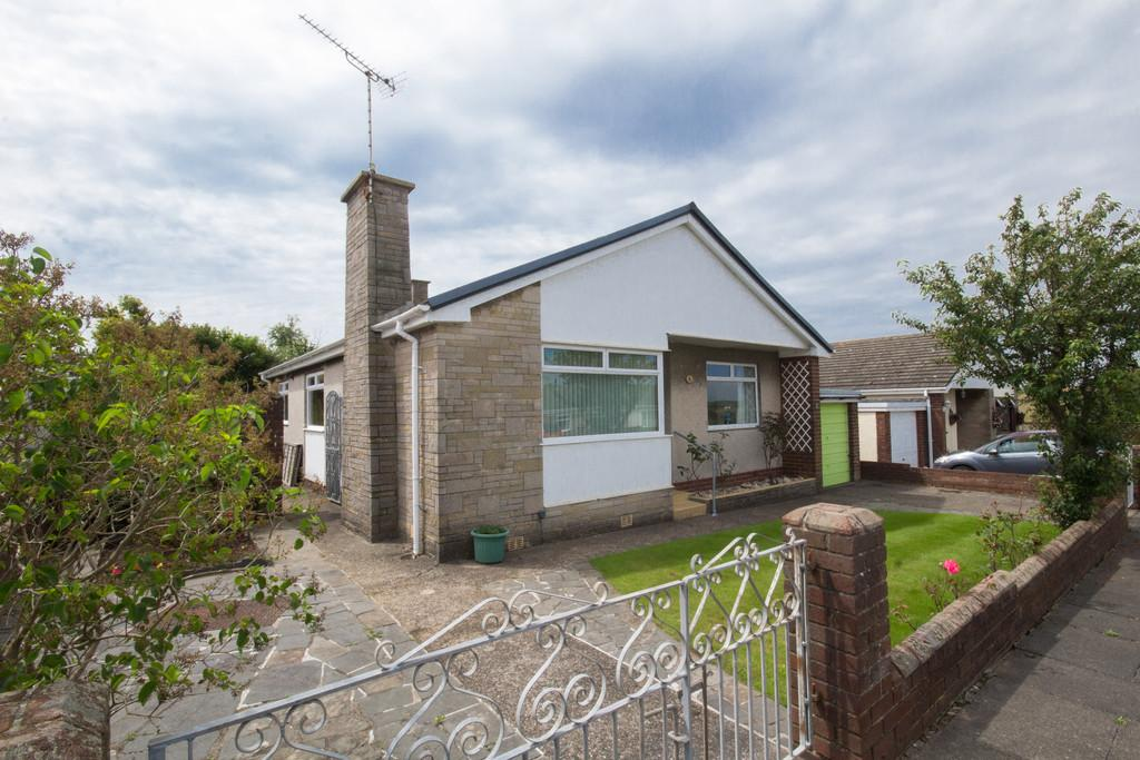 3 Bedrooms Detached Bungalow for sale in Silecroft Gardens, Walney, Barrow-In-Furness
