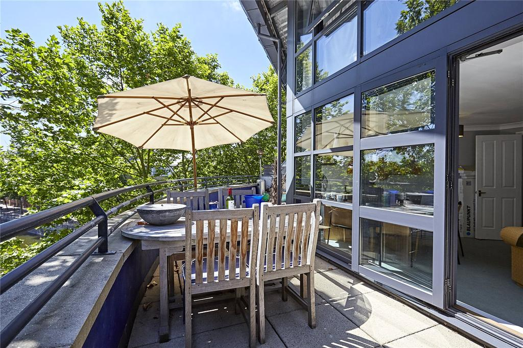 2 Bedrooms Flat for sale in Lock Keepers Heights, 117 Brunswick Quay, Surrey Quays, London