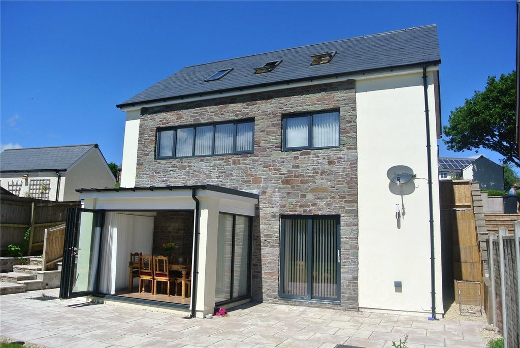4 Bedrooms Detached House for sale in Pen Y Fan Close, Libanus, Brecon, Powys