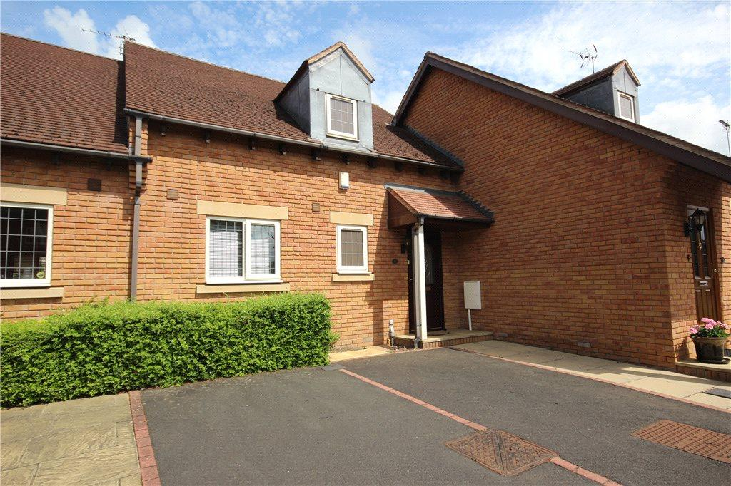 2 Bedrooms Terraced House for sale in The Spinney, Solihull, West Midlands, B91