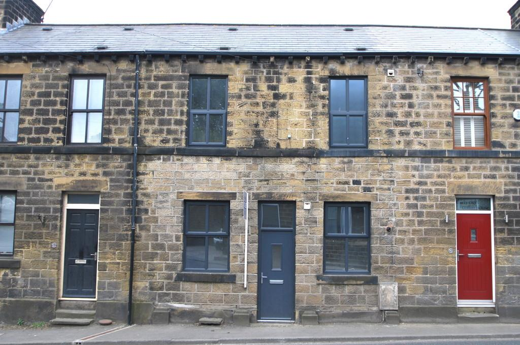 3 Bedrooms Terraced House for sale in Manchester Road, Thurlstone, Sheffield