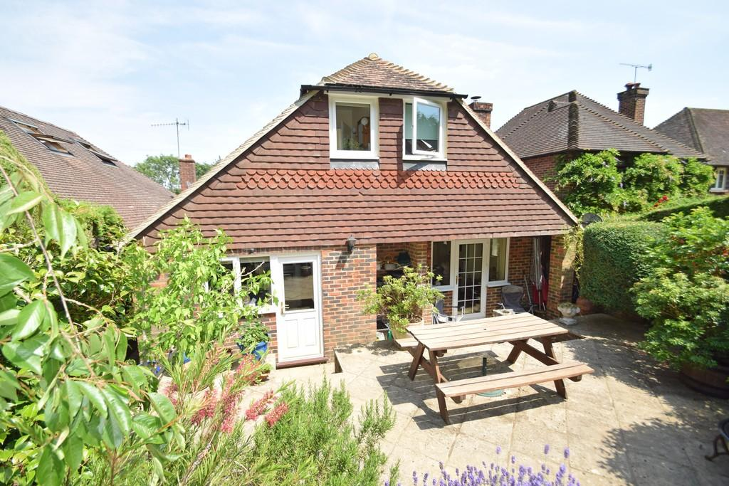 4 Bedrooms Chalet House for sale in Birtley Rise, Bramley, Guildford GU5 0HZ