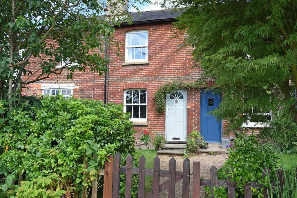 2 Bedrooms Terraced House for sale in Barnett Lane, Wonersh, Guildford GU5 0RU