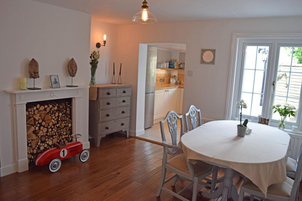 2 Bedrooms Terraced House for sale in Barnett Lane, Wonersh, Guildford GU5 0RU