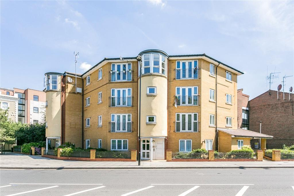 2 Bedrooms Flat for sale in Eastway, London, E9