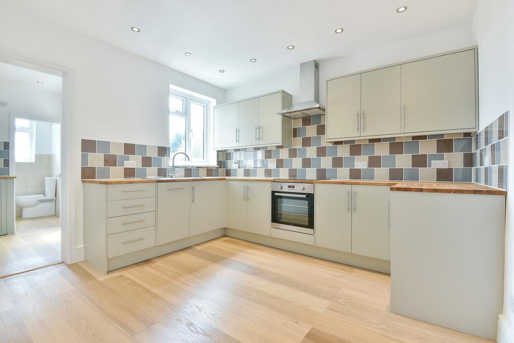 3 Bedrooms Terraced House for sale in Tonbridge Road, Maidstone