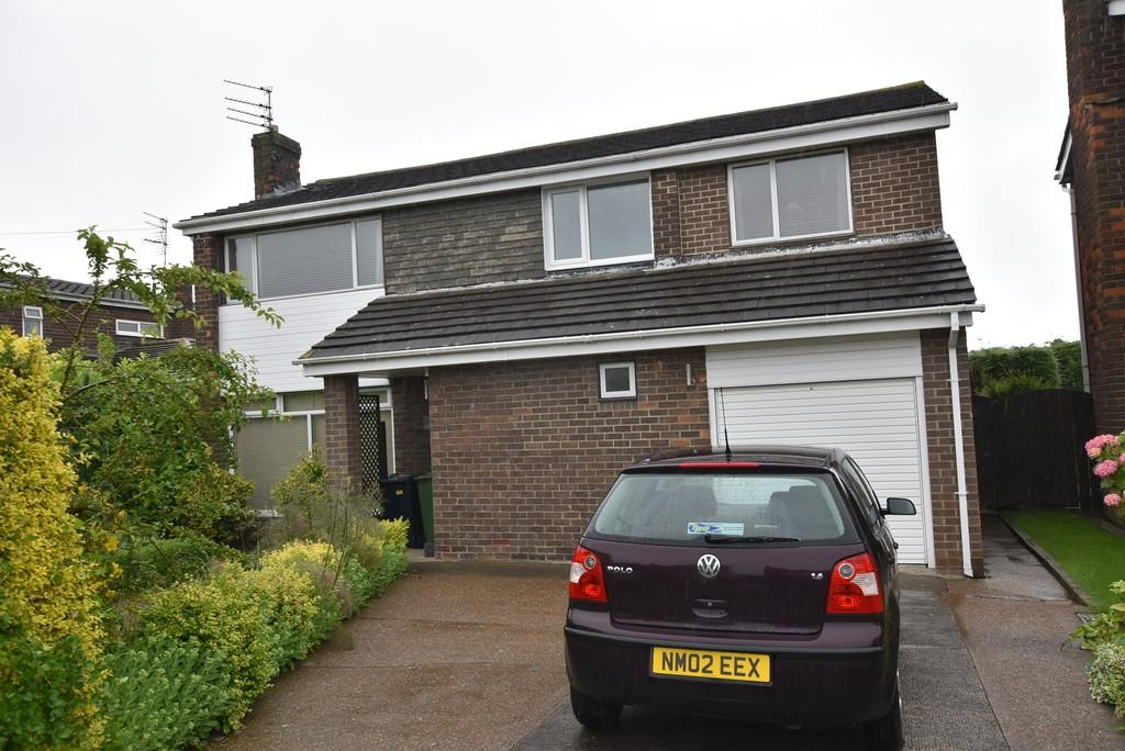 4 Bedrooms Detached House for sale in Longmeadows, East Herrington