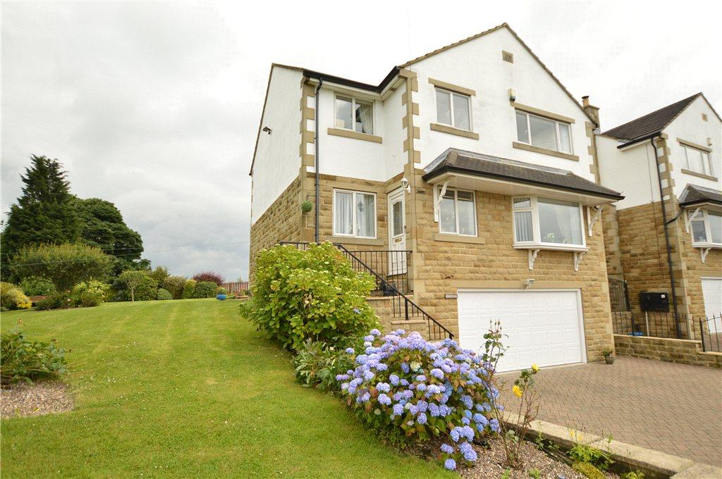 4 Bedrooms Detached House for sale in Old Lane, Drighlington, Bradford