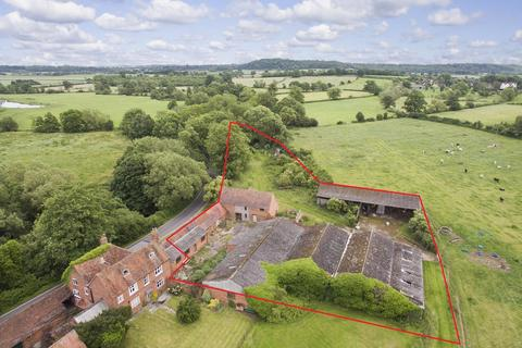 Barn for sale - Barns adjacent to Haselor Grounds, Great Alne