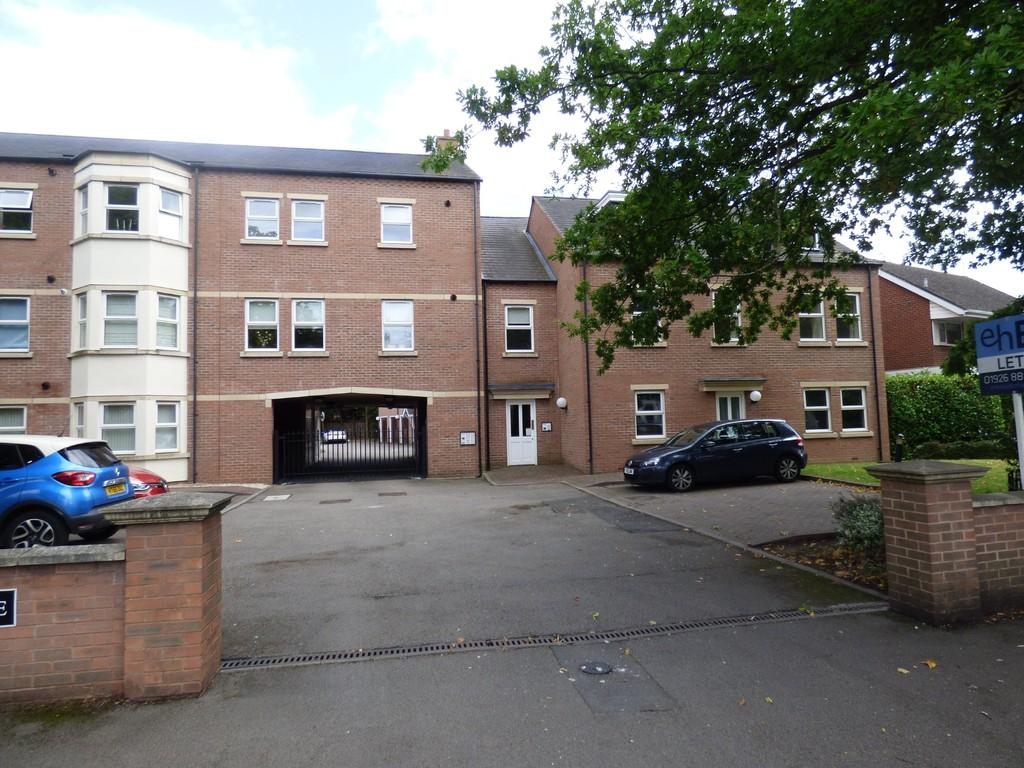 3 Bedrooms Apartment Flat for sale in Imperial Place, Leamington Spa