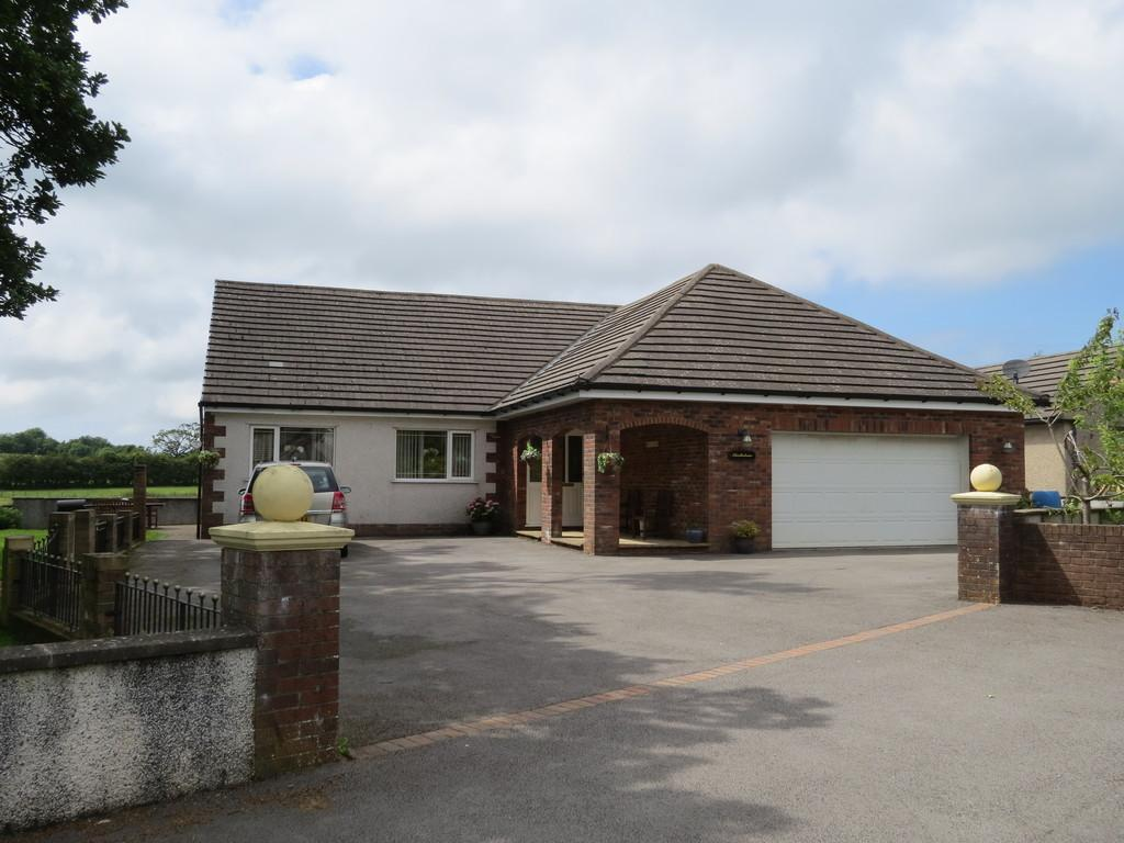 5 Bedrooms Detached House for sale in Thistledome, Flosh Meadows, Cleator, Cumbria