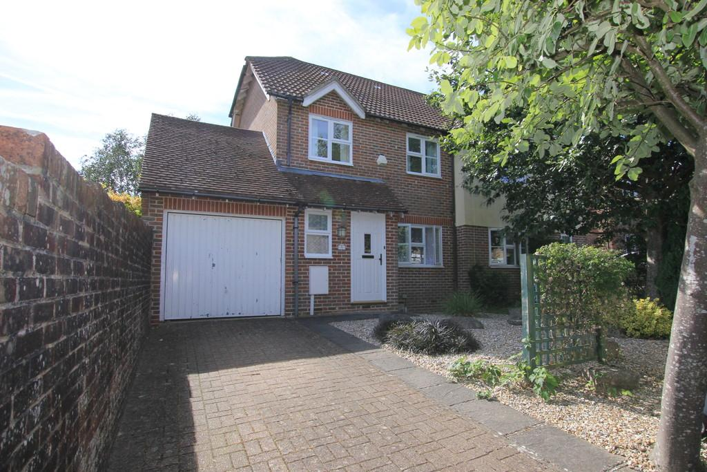 3 Bedrooms Semi Detached House for sale in Coppice View, Heathfield