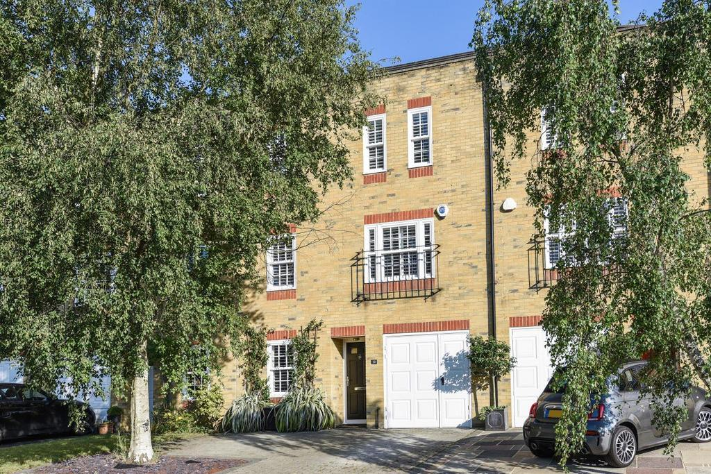 4 Bedrooms Terraced House for sale in Woodclyffe Drive, Chislehurst, BR7