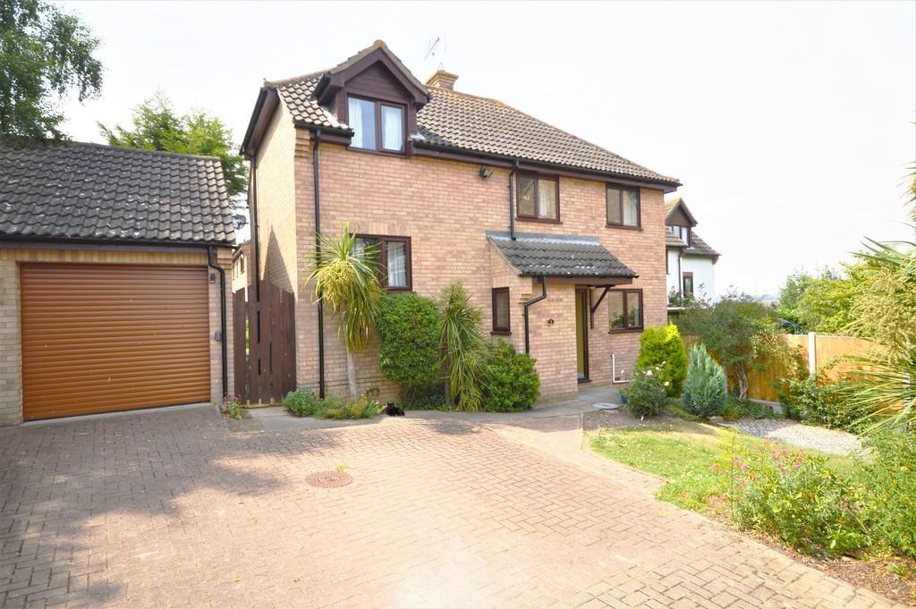 4 Bedrooms Detached House for sale in Skelton Close, Lawford, Manningtree, CO11 2HT