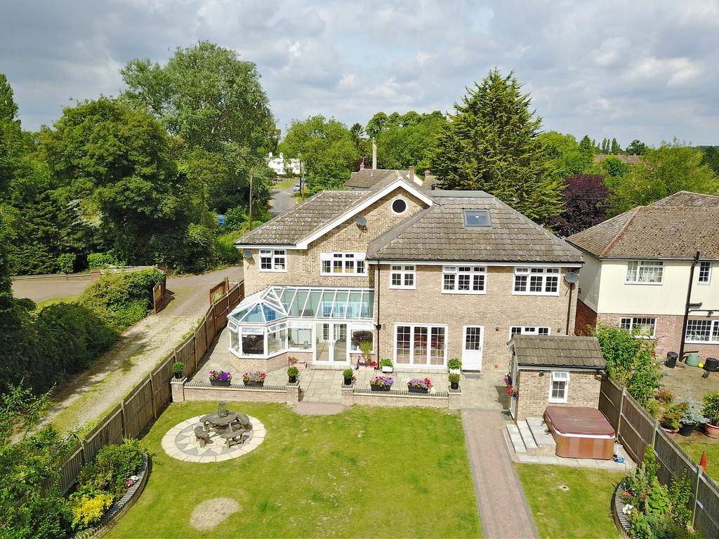 6 Bedrooms Detached House for sale in Sheepcotes Lane, Silver End