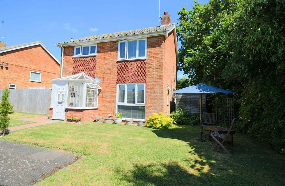 3 Bedrooms Detached House for sale in Ockley Way, Hassocks, West Sussex