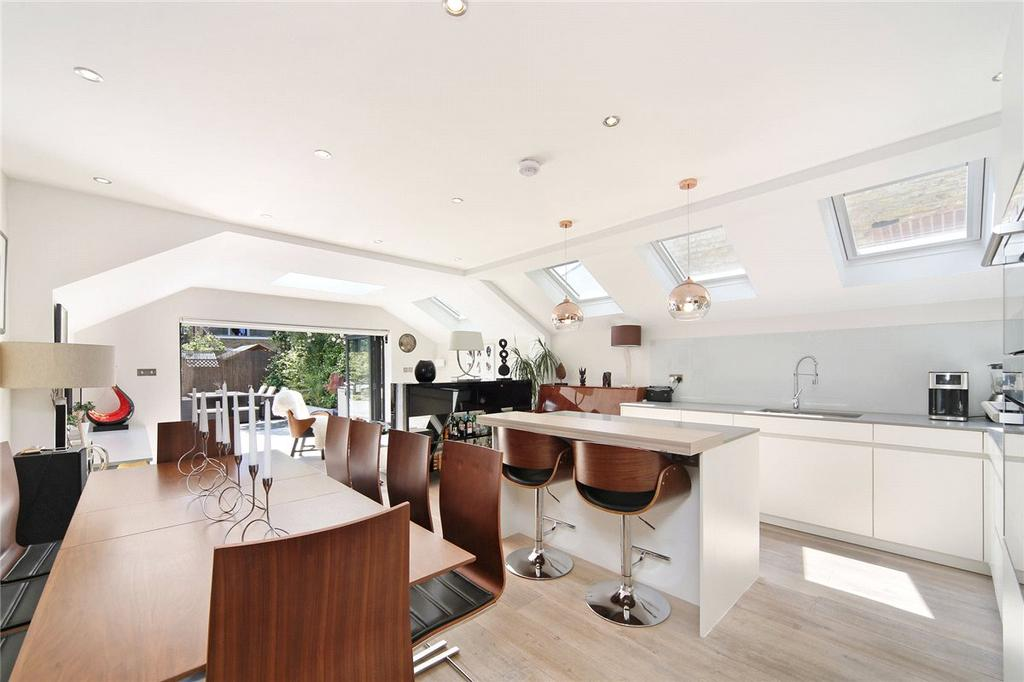 2 Bedrooms Apartment Flat for sale in Langthorne Street, London, SW6
