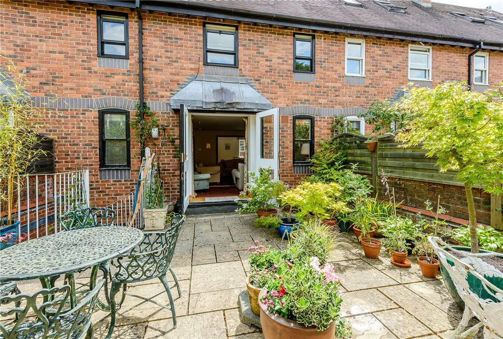 4 Bedrooms House for sale in Southgate Mews, 24 St. Cross Road, Winchester, Hampshire, SO23