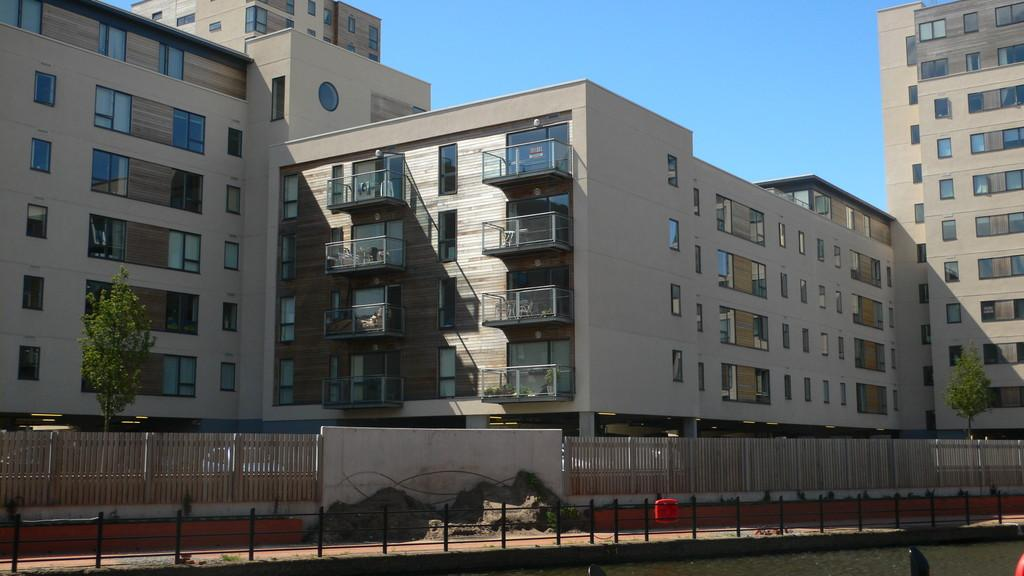 1 Bedroom Apartment Flat for sale in Sirius House, Falcon Drive, Cardiff Bay