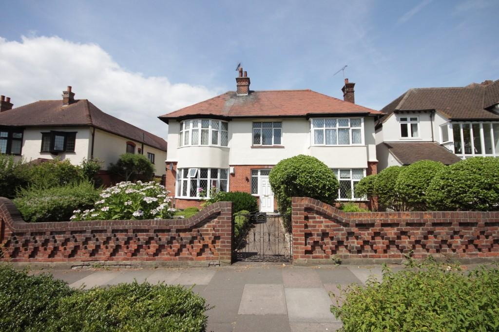 2 Bedrooms Apartment Flat for sale in Chalkwell Avenue, Westcliff-on-Sea
