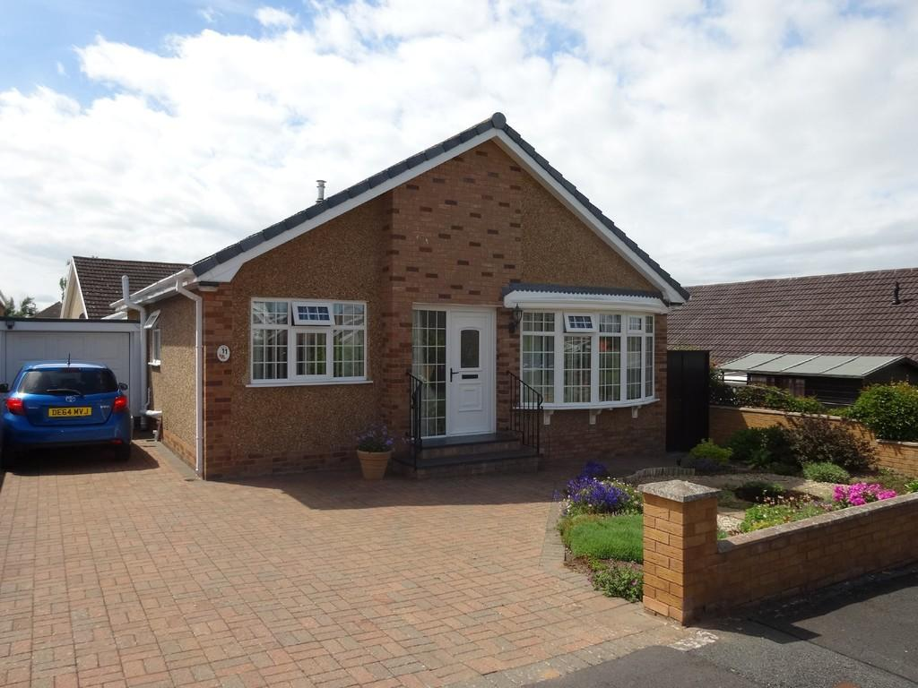 2 Bedrooms Detached Bungalow for sale in Ffordd Cae Glas, Rhuddlan