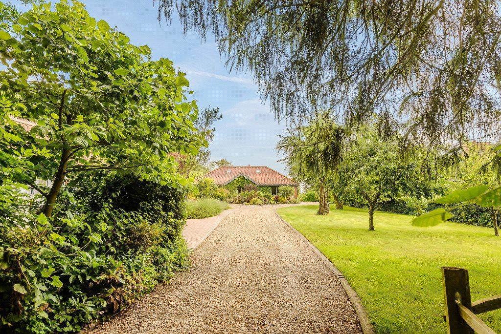 5 Bedrooms Detached House for sale in The Old Orchard, Hall Drive, Walesby, Market Rasen, LN8
