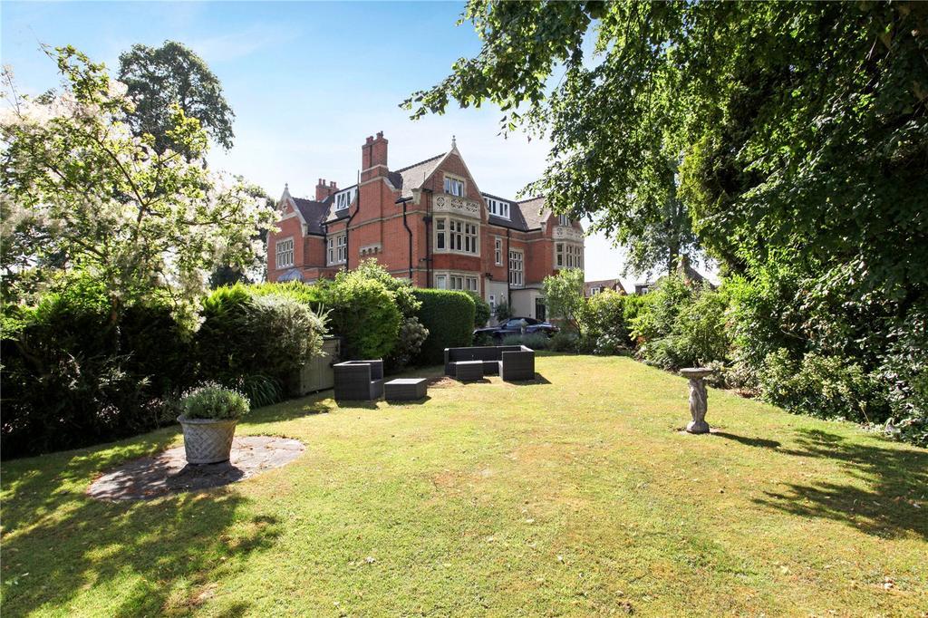 2 Bedrooms Unique Property for sale in Sutherland Grange, Maidenhead Road, Windsor, Berkshire, SL4