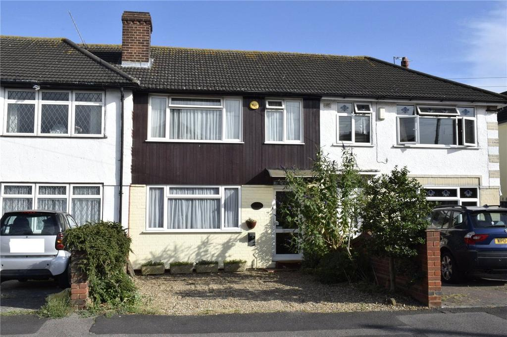 3 Bedrooms Terraced House for sale in Benhurst Avenue, Hornchurch, RM12