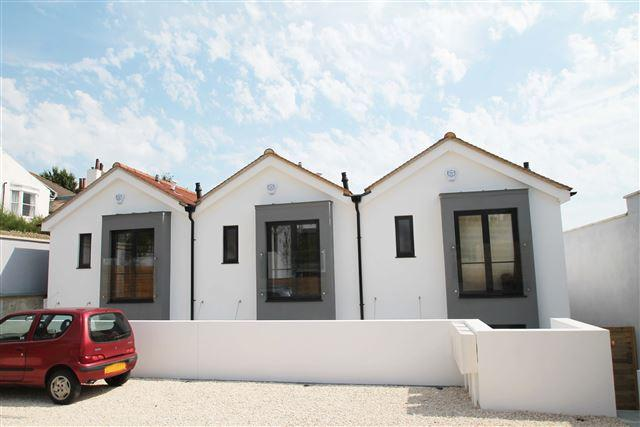 2 Bedrooms Terraced House for sale in St Andrews Close, Brighton