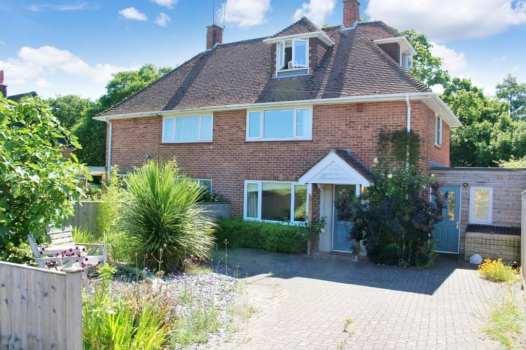 3 Bedrooms Semi Detached House for sale in Langdown Road, Hythe