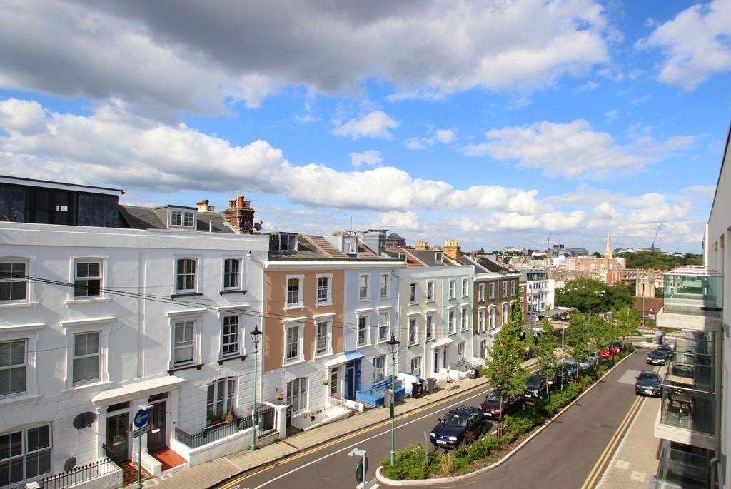 2 Bedrooms Apartment Flat for rent in The Summit, Upper Terrace Road
