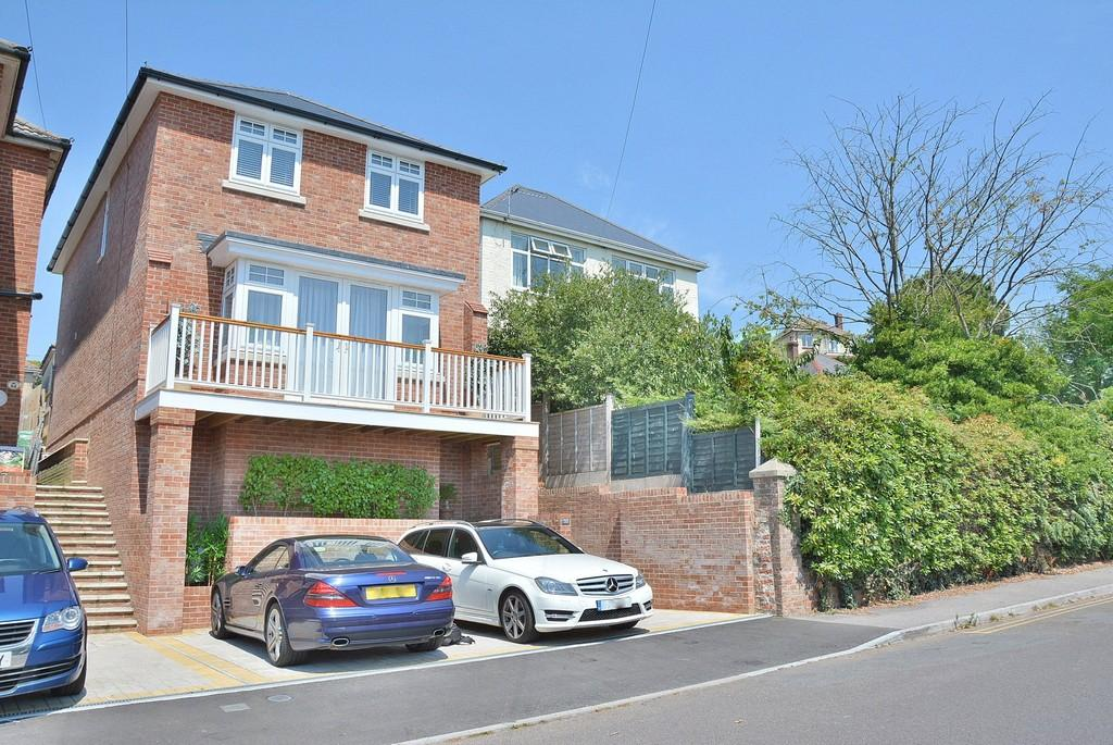 4 Bedrooms Detached House for sale in Queens Road, Lower Parkstone, Poole