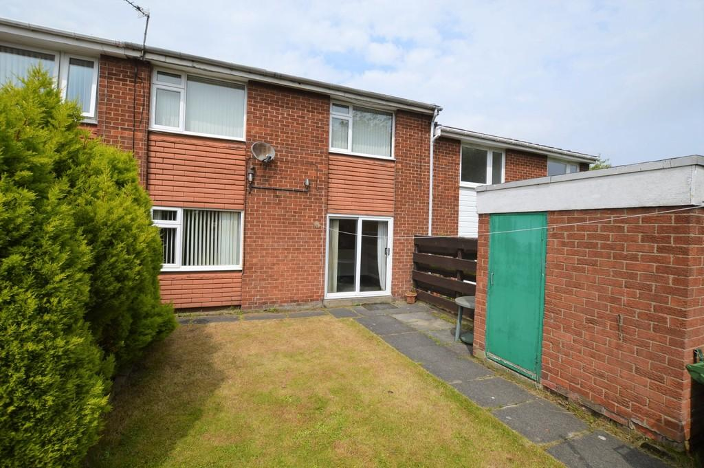3 Bedrooms Terraced House for sale in Croftwell Close, Blaydon