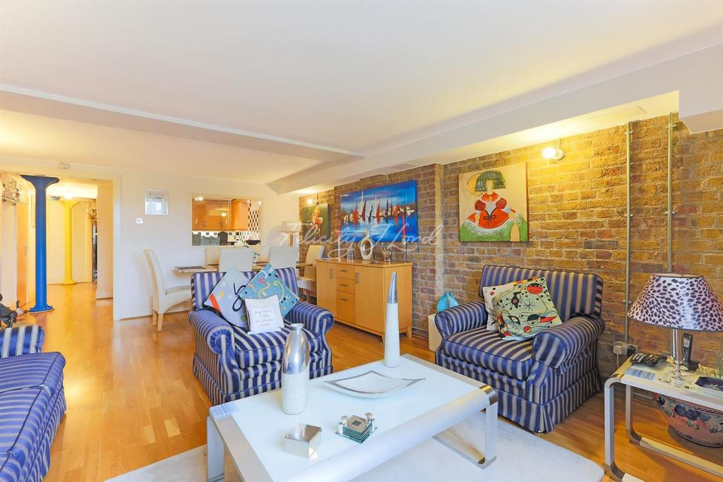 2 Bedrooms Flat for sale in Globe Wharf, Rotherhithe Street, SE16