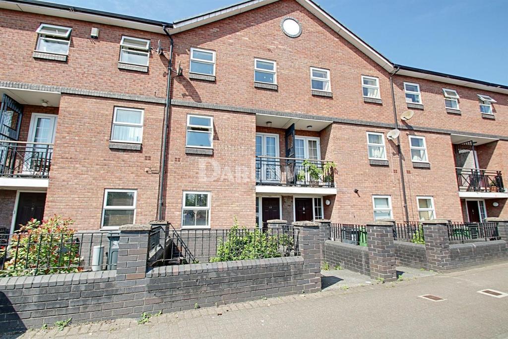 3 Bedrooms Terraced House for sale in Schooner Way, Cardiff Bay