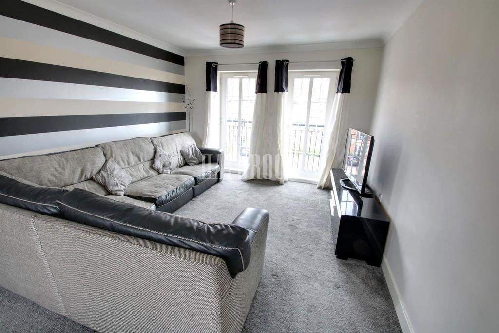 2 Bedrooms Flat for sale in Greenacre Close, Gleadless, S12