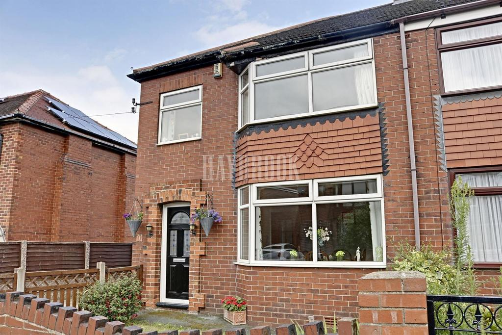 3 Bedrooms Semi Detached House for sale in Gooder Avenue, Royston