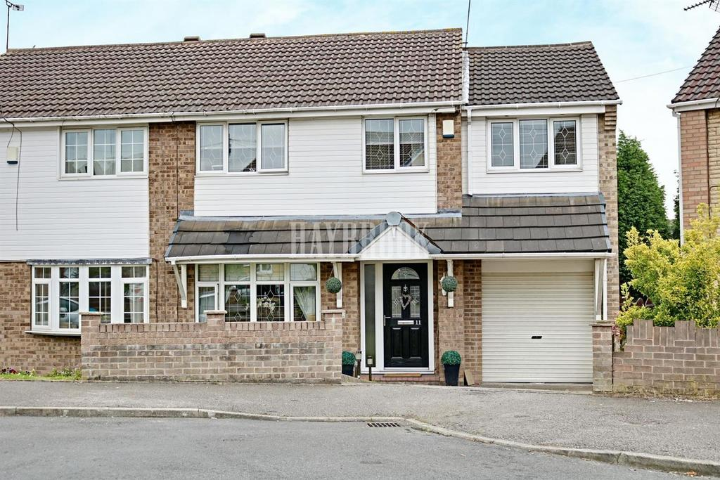 3 Bedrooms Semi Detached House for sale in Turnberry Grove, Cudworth