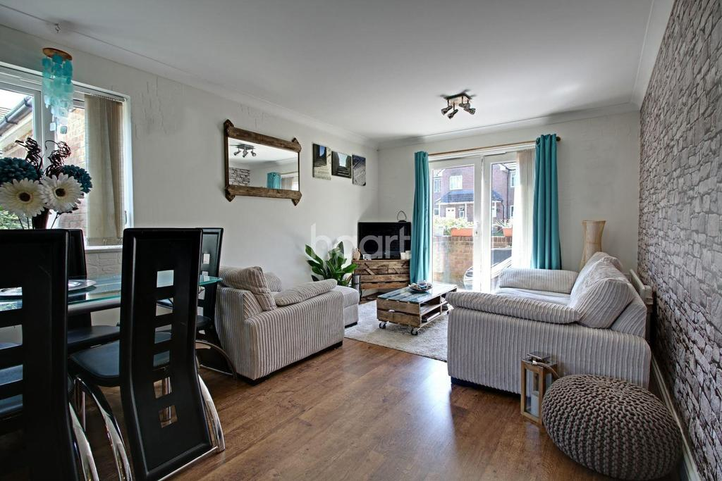 2 Bedrooms Flat for sale in Old School Place, Croydon, CR0