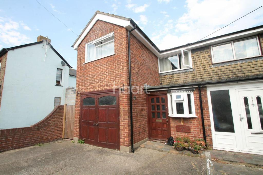 3 Bedrooms Semi Detached House for sale in Little Wakering Road, Barling Magna