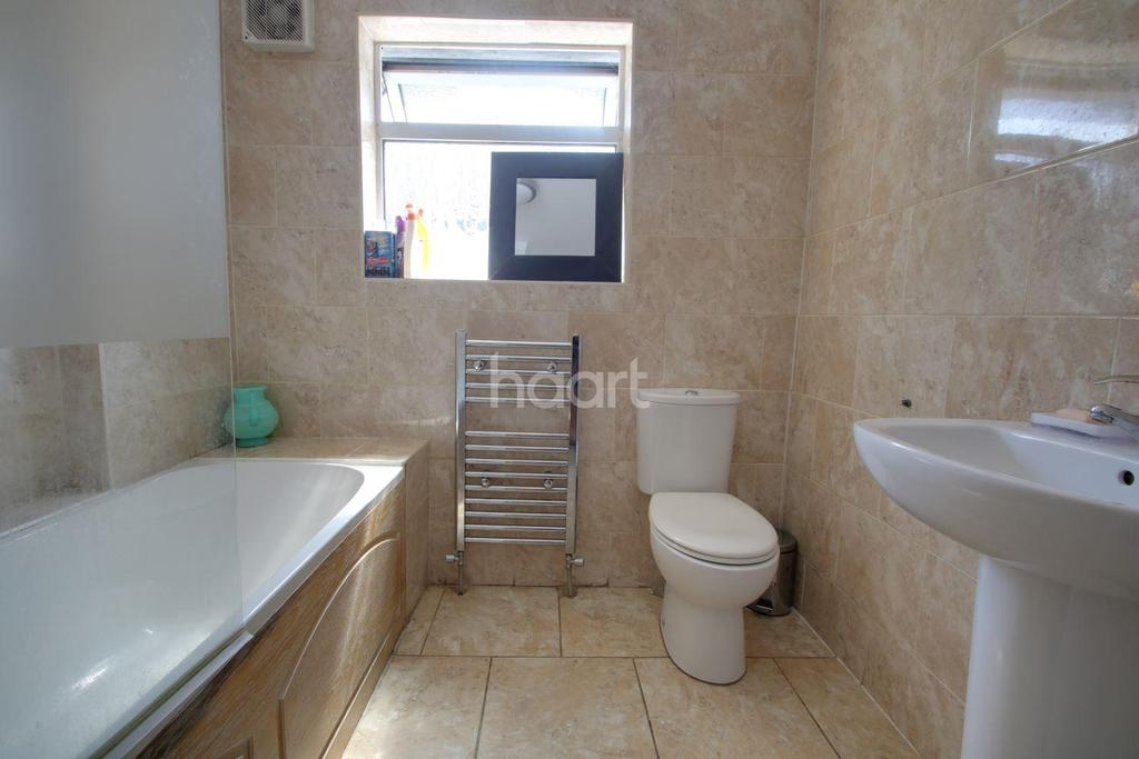 5 Bedrooms Detached House for sale in Prince Avenue