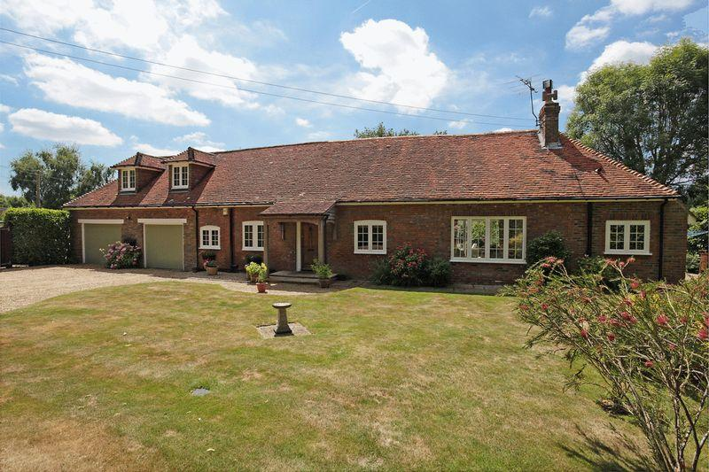3 Bedrooms Detached House for sale in Lewes Road, Little Horsted, East Sussex