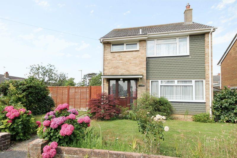 3 Bedrooms Detached House for sale in Helston Drive, Emsworth