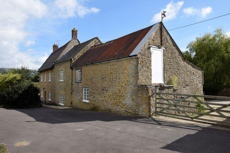5 Bedrooms Detached House for sale in BEAMINSTER, DORSET