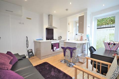 1 bedroom flat to rent - Chiswick Road, London W4 5RA