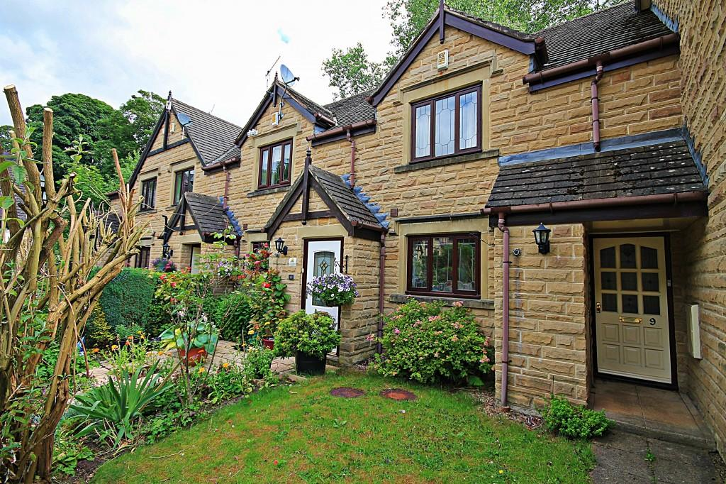 2 Bedrooms Terraced House for sale in Bescaby Grove, Baildon