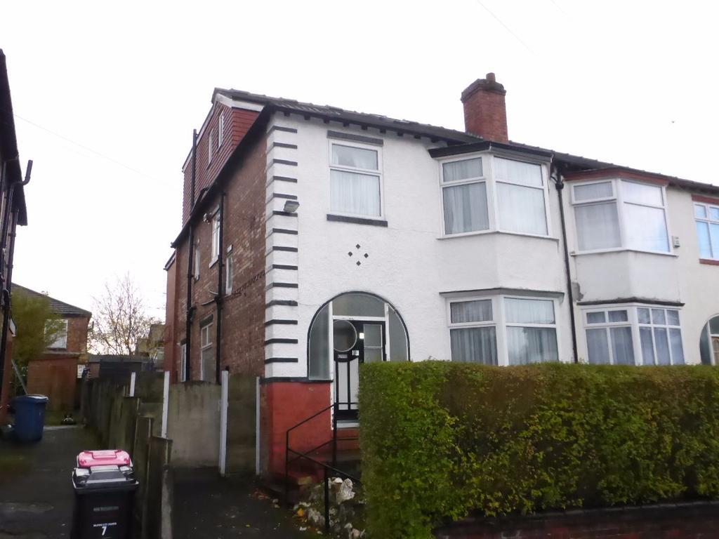7 Bedrooms Semi Detached House for sale in Bentley Road