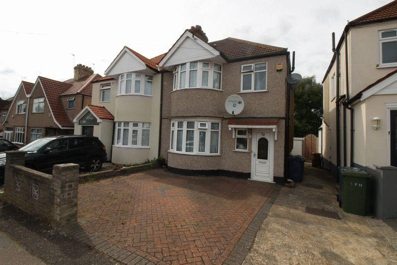 3 Bedrooms Semi Detached House for sale in Weald Lane, Harrow Weald, Middlesex, HA3 5EY