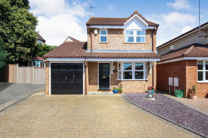 3 Bedrooms Detached House for sale in Rushbrook Close, Ampthill